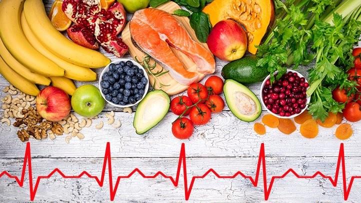 Alimenti che fanno bene al cuore: come una giusta alimentazione può aiutare a prevenire un infarto