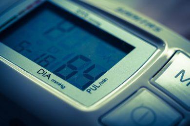 Misurazione pressione sanguigna: l'importanza del monitoraggio notturno